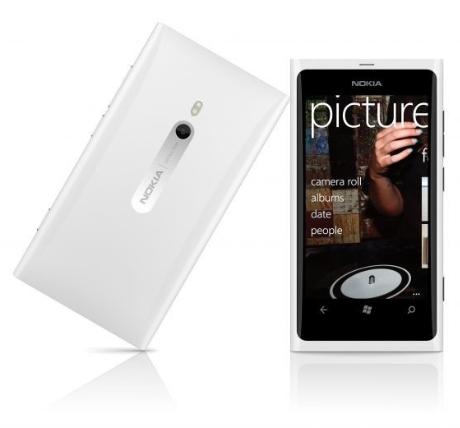 Vit Nokia Lumia 800 släpps nu senare i Februari