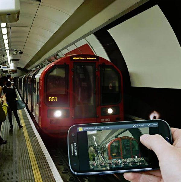Är det en svart Samsung Galaxy S III här i tunnelbanan?